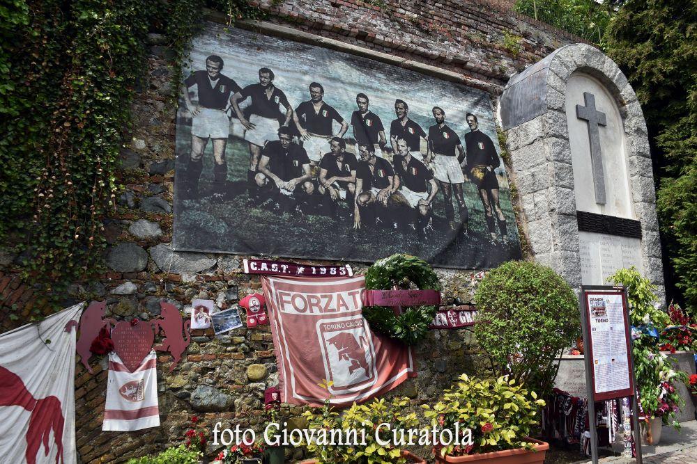 Memoria per Il Grande Torino: Superga e quel 2-2 a Palermo...