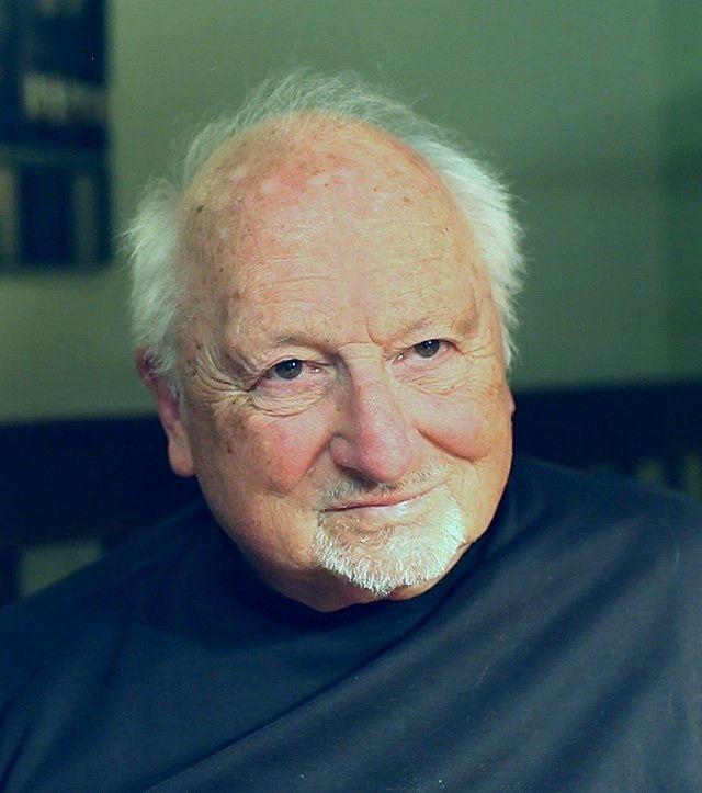 """Memoria per Charles Chuck"""" Peddle: padre dell'informatica"""