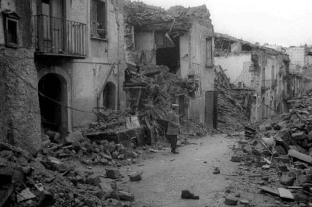 """Memoria per Mattarella - """"Il terremoto dell'Irpinia una ferita profonda"""""""